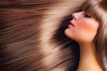 Colore dei capelli bello e lucido anche d'estate
